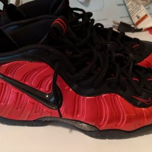 NIKE | 2016 Air Foamposite Pro | Red